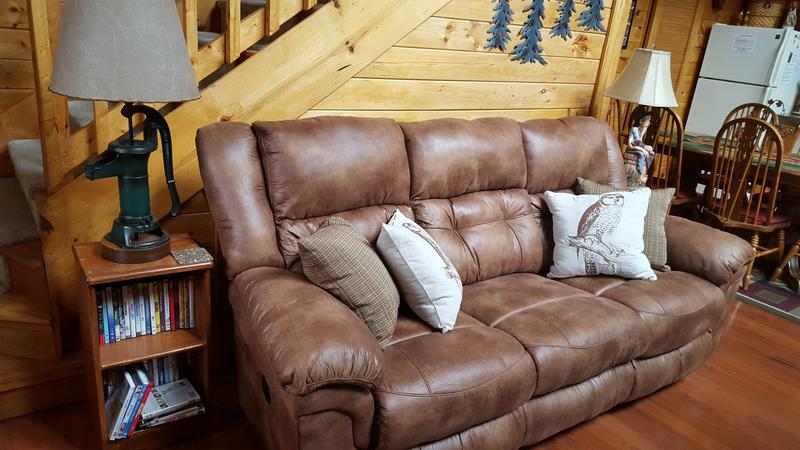 Comfortable recliner sofa and seating for 6 in the Living Room.