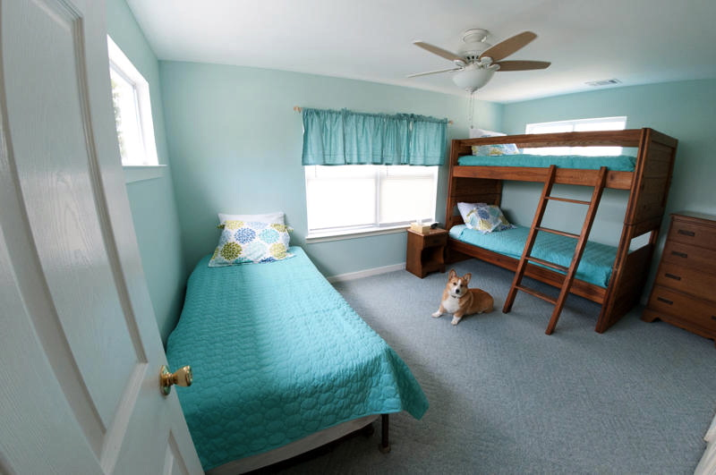 3rd Bedroom with 2 Twin bunk beds and 1 twin bed