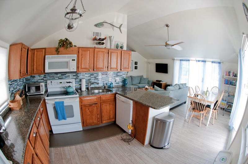 Newly renovated full kitchen with standard appliances